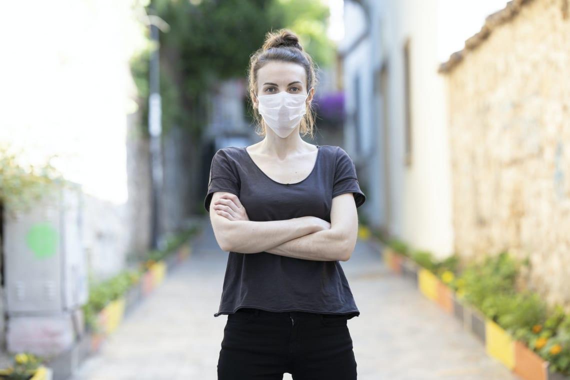 Érdemes maszkot viselni a szabadban? Így vélekednek erről a szakértők