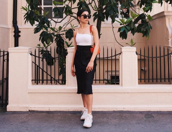 5 szett, ami bizonyítja, hogy a sportcipő passzol a szép ruhákhoz is