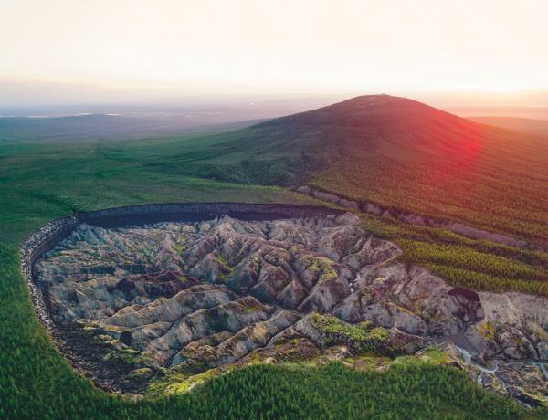 """Az """"Alvilág kapuja"""": hatalmas lyuk tátong Szibéria közepében"""
