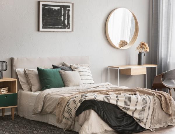 Hogyan díszítsd a hálószoba ágy falát? 10 inspiráló megoldás