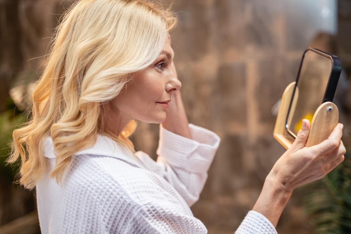 Ne hasonlítgasd magad a fiatalkori kinézetedhez – 5 tanács, ami segít túltenni magad az idő múlásán