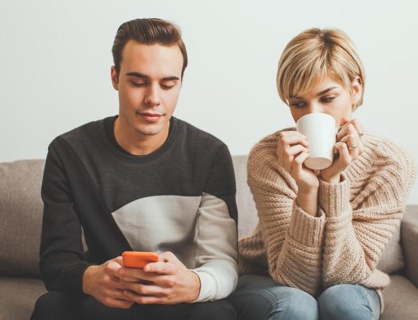 Ez segít legyőzni a féltékenységet – pszichológusok szerint
