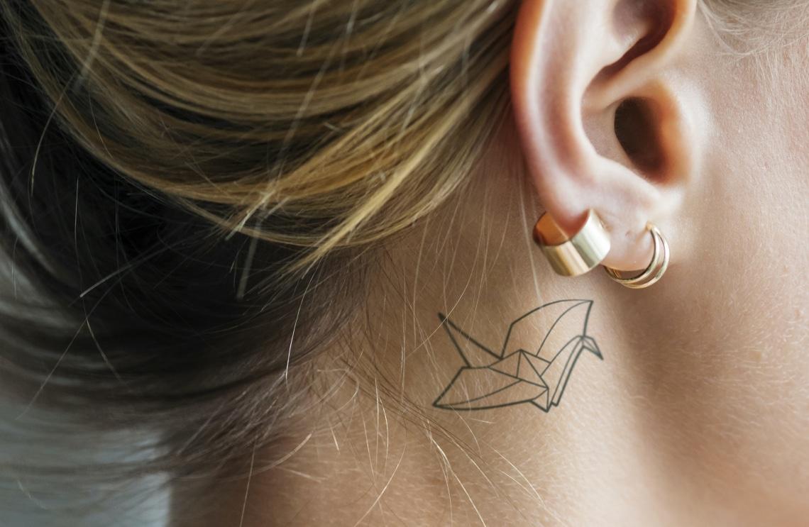 A legszebb fül mögötti tetoválások – Aranyosak és aprók