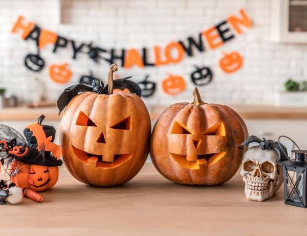 Ijesztő, minimalista, egyszerű és aranyos halloweeni lakásdekorációk – nem csak gyerekeknek