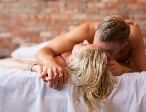 Az 5+1 legkényelmesebb szex póz, amit fáradt napokon is bevethettek