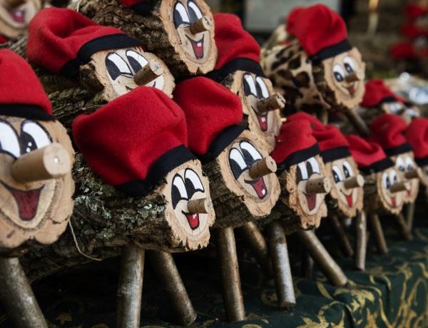 Kakiló farönk? A legfurcsább karácsonyi szokások a világból