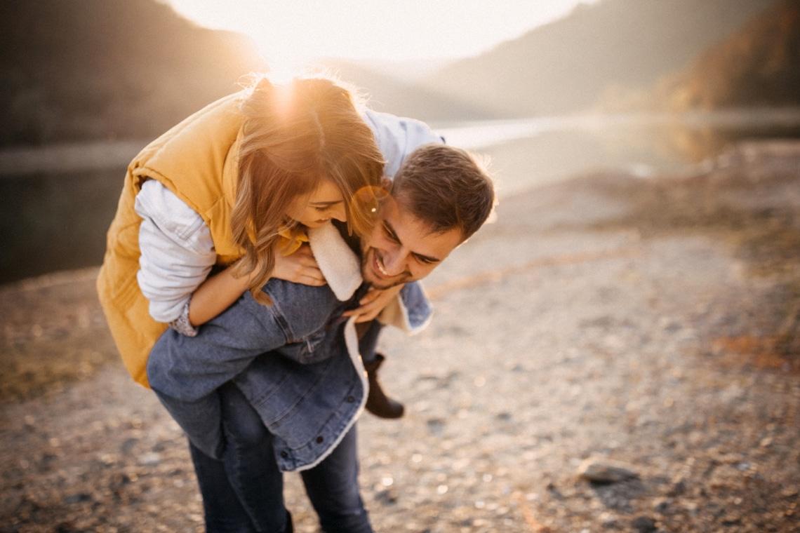Egy friss kapcsolat 10 stádiuma – Ti hol tartotok?