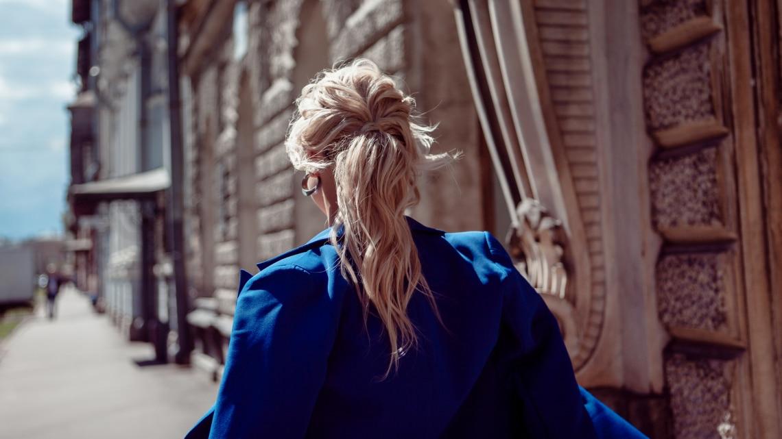 2021 legegyszerűbb elegáns frizurái: hosszú és középhosszú hajra
