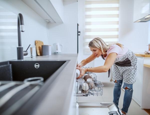 10 tárgy, ami nem edény, mégis tisztíthatod a mosogatógépben