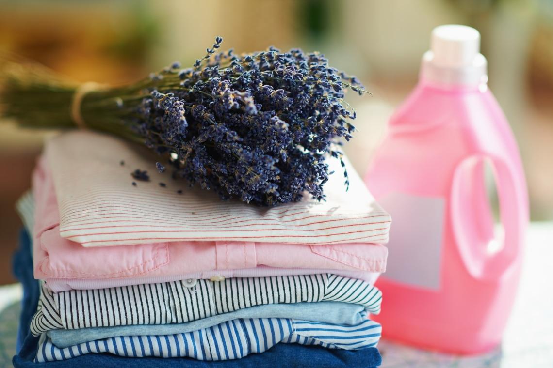 5+1 dolog, amire használhatod az öblítőt – A mosáson kívül