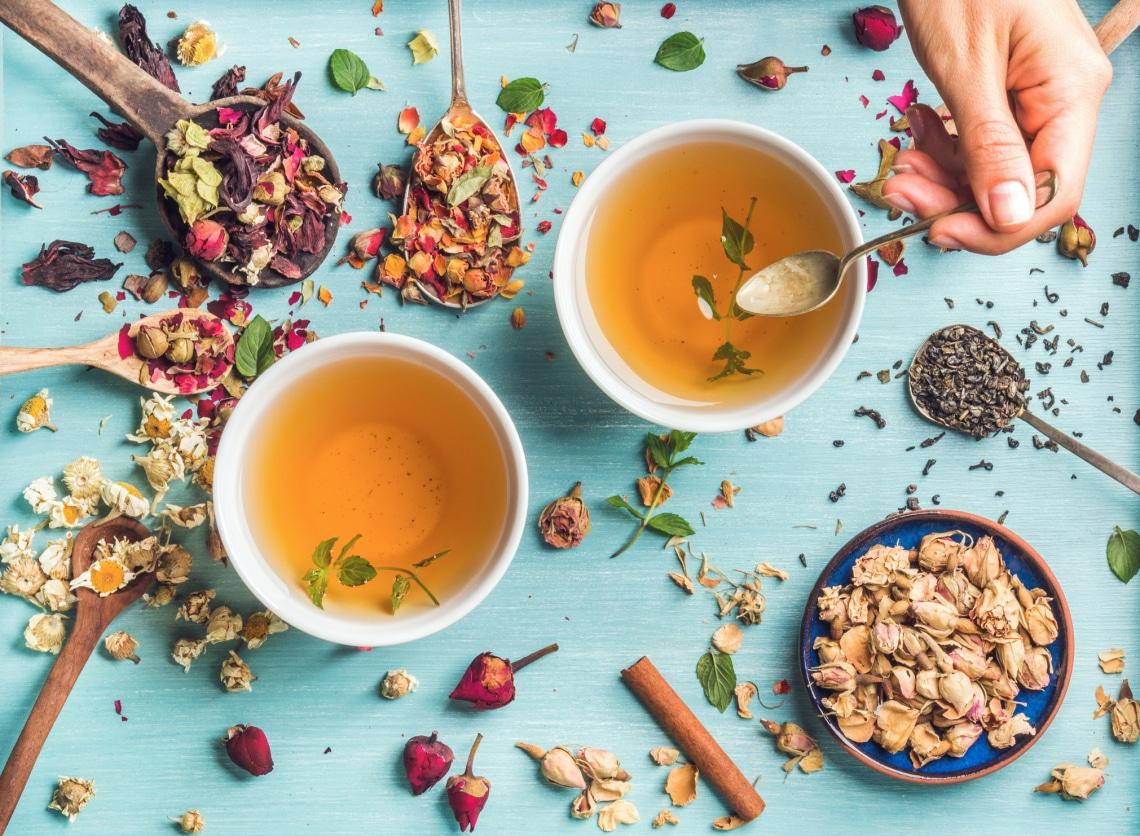 Gyakran küzdök hasfájással és emésztési panaszokkal: nekem ez a 4 tea segített a legtöbbet