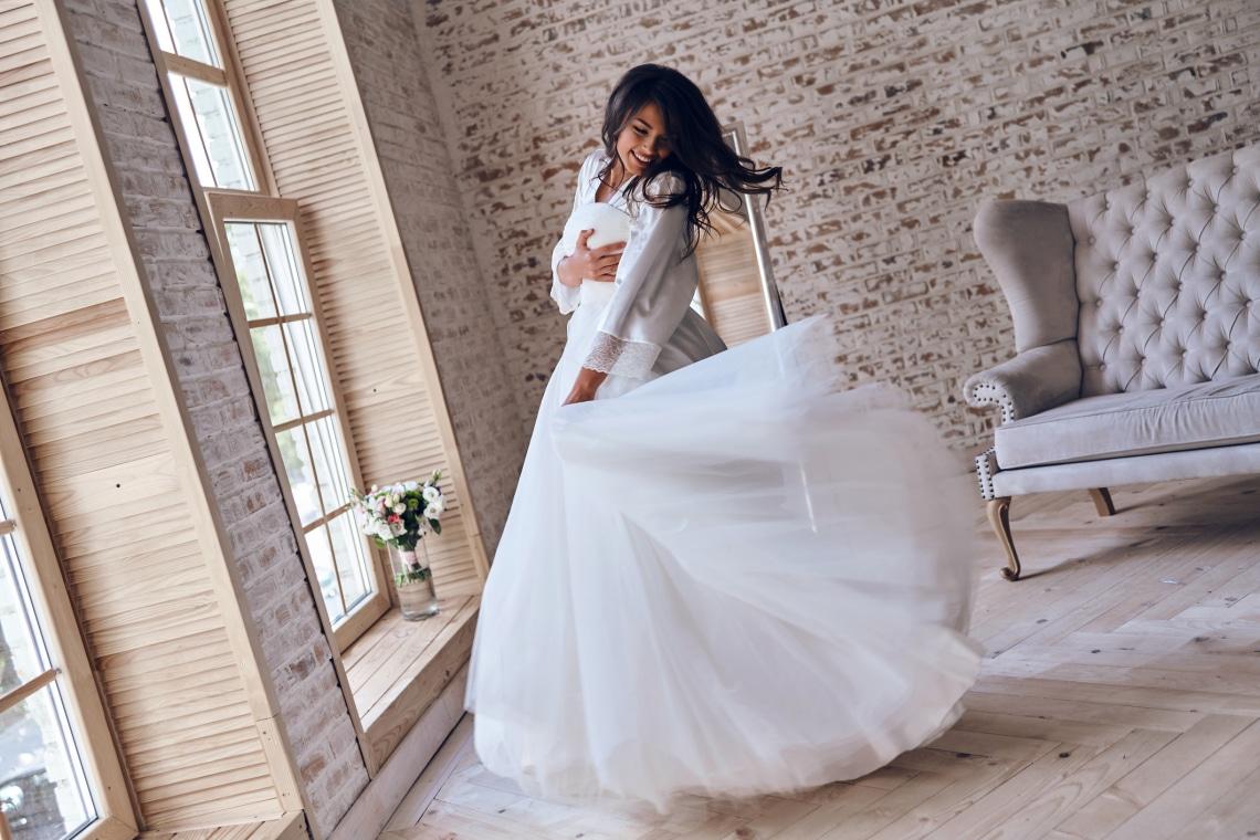 Egyszerű esküvői ruhák, polgári szertartáshoz – Otthonról is megrendelheted!