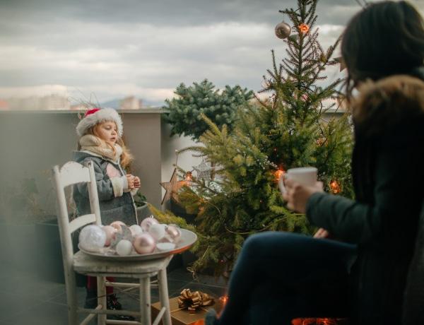 Így dobd fel a balkont karácsonyra! 10 káprázatos ötlet