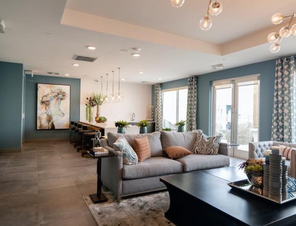Ezzel a 3 színnel sose fesd a lakásodat – inkább ezt válaszd helyette!