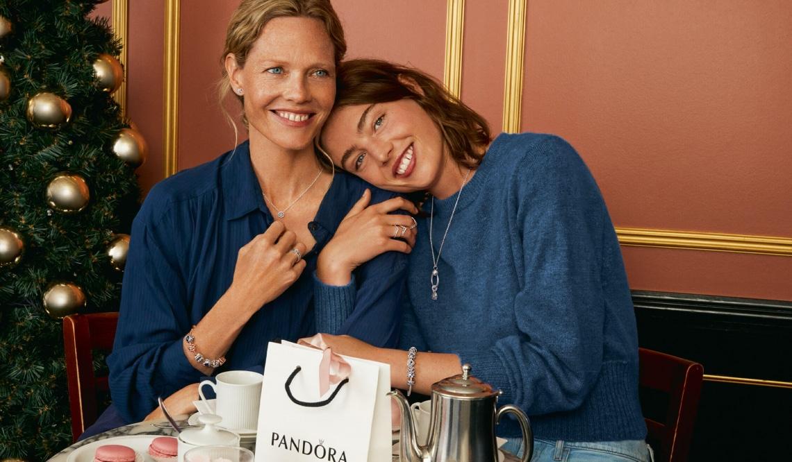 Ajándékozz ragyogást a Pandora ünnepi kollekciójával!