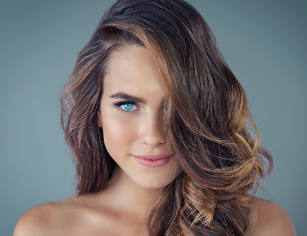 A kék sampon csodát tesz a barna hajjal! A 4 kedvenc termékünk