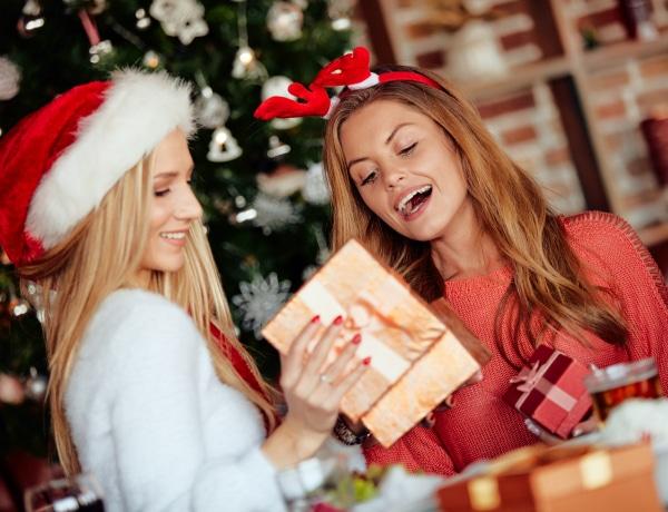 8 karácsonyi ajándék 5000 Ft alatt a párodnak, barátnődnek és a családtagoknak