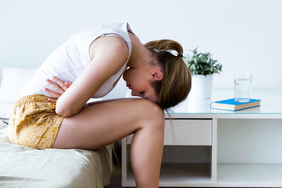 5 furcsa módszer, amivel enyhítheted a menstruációs görcseidet