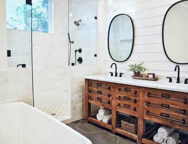 5+1 hétköznapi tárgy, ami tönkreteszi a fürdőszobád kinézetét