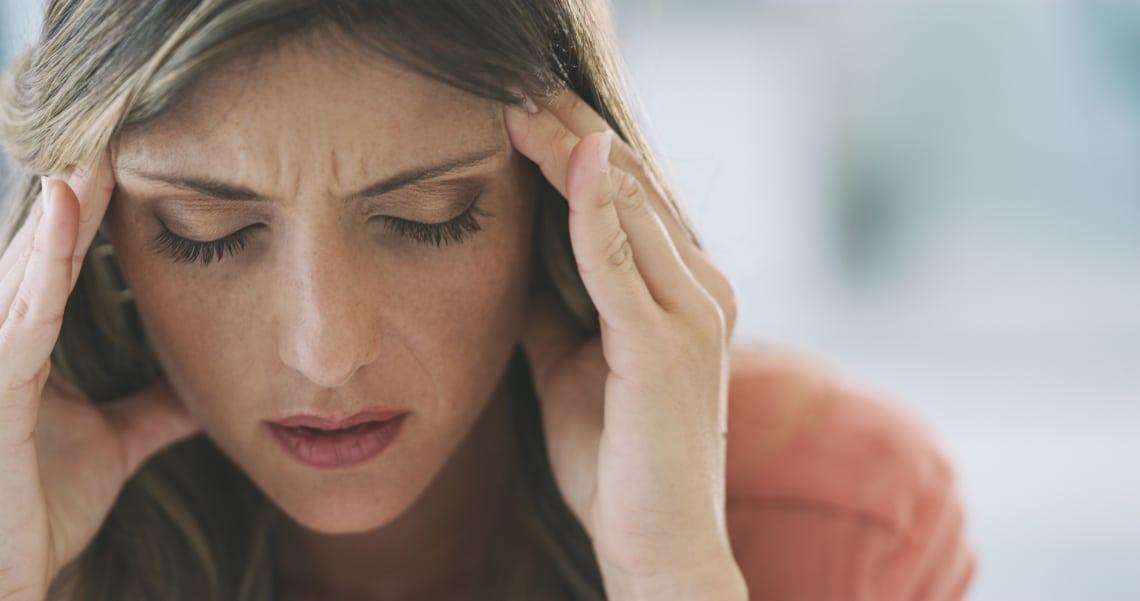 4 kétségtelen jel, hogy a fejfájásodat a koronavírus okozza