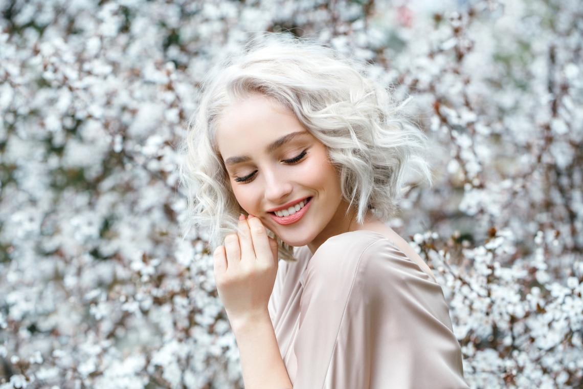 10 elbűvölő frizura rövid hajra a 2021-es divat szerint