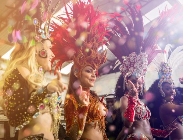 Így néztek ki a februári karneválok a világban – Amikor még össze lehetett jönni