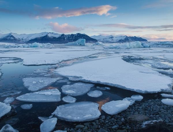 Ősi mikrobákat is életre hívhat a klímaváltozás