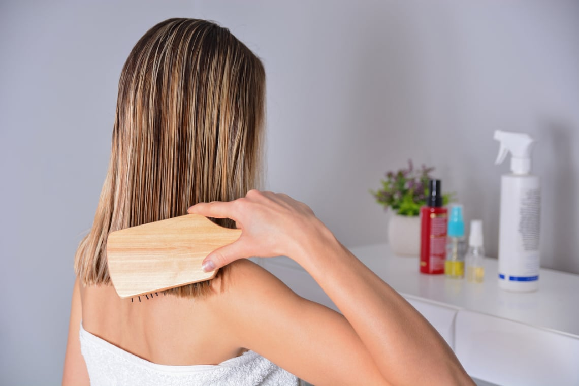 A hajhullás 3 leggyakoribb oka – sok nő küzd vele