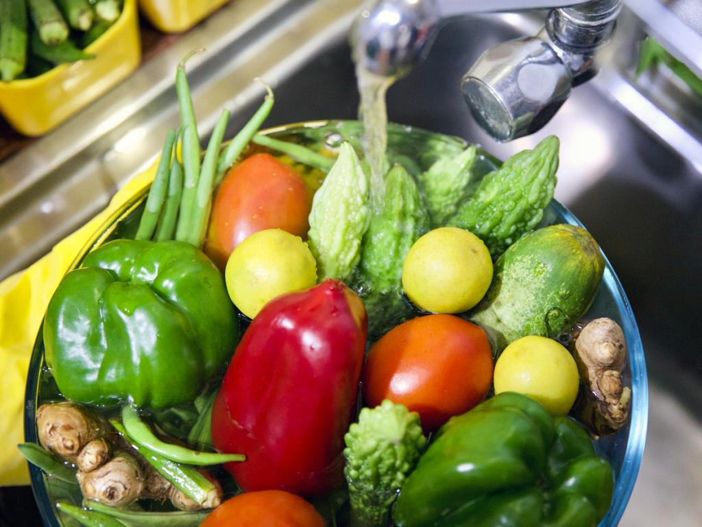 Zöldségek mosása