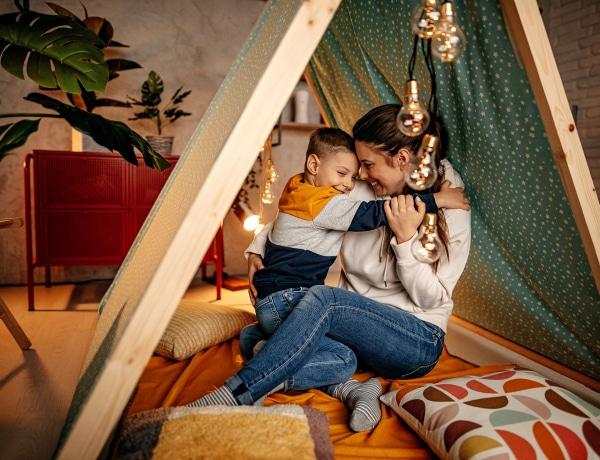 10 ötletes DIY sátor, amit imádni fog a gyerkőc