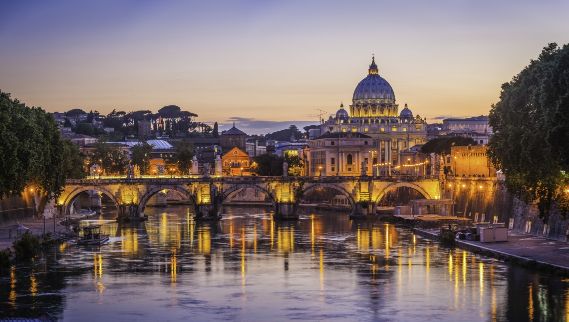 Mit rejtegetnek a Vatikánban? Meghökkentő információk - krónika