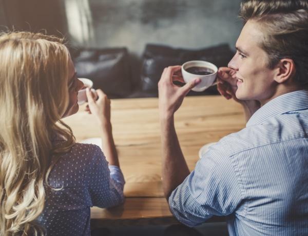 Észrevetted, hogy sokkal több férfi kezd ki veled, ha foglalt vagy? Van ennek tudományos magyarázata!