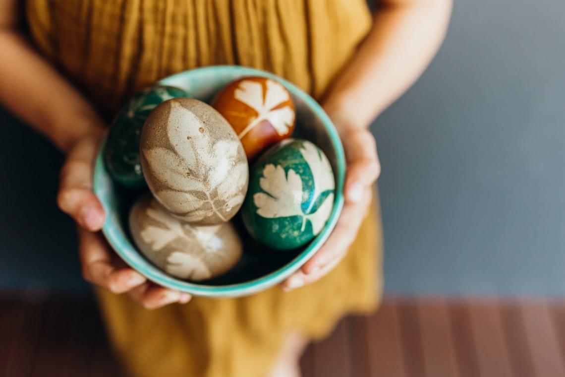 10 húsvéti tojásdíszítő trükk, ha unod a tasakos festékport