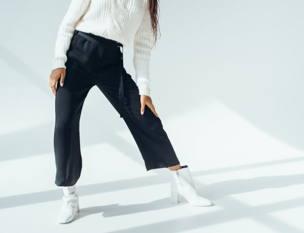 Ez a tökéletes, alap kis fekete bőszárú nadrág – 5 szettben