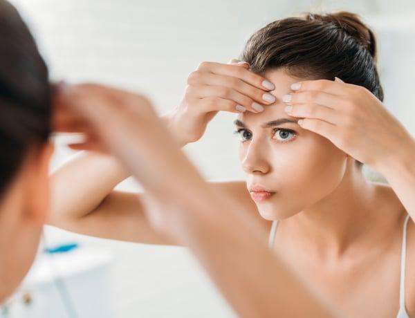 Komoly betegségek jelei lehetnek az arcodon – 9 gyakori probléma