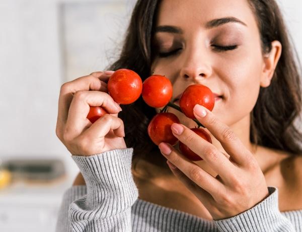 Ennyi ideig is eltűnhet az ízlelés és a szaglás a koronavírus-fertőzés után