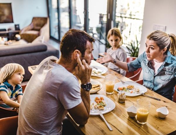 Ilyen hatással van rád, ha valamelyik szülőd nárcisztikus (volt)