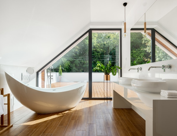 8 ötlet a tetőtéri fürdőszobához, hogy modern és lenyűgöző legyen