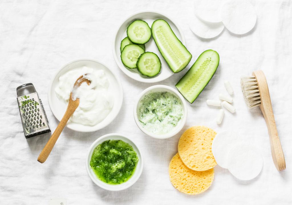 Joghurtos arcpakolás recept