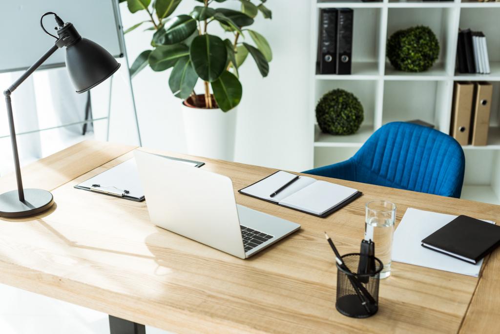 Otthoni munkaállomás kialakítása