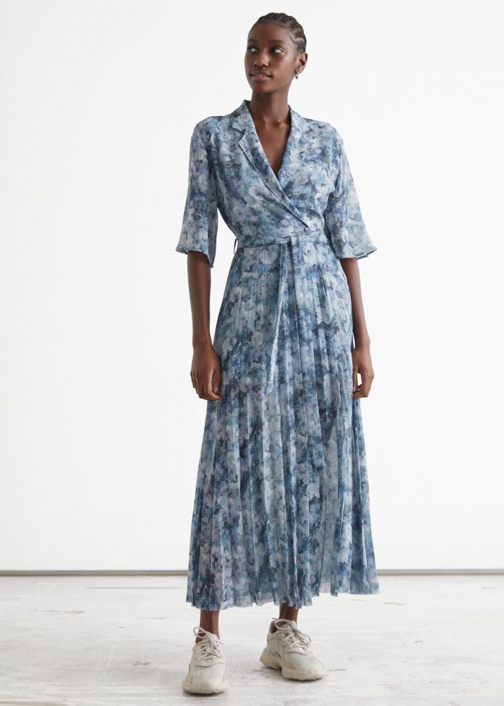 Kék mintás ruha