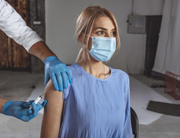 Koronavírus vakcina – A nőket sokkal jobban megviseli. De miért is?