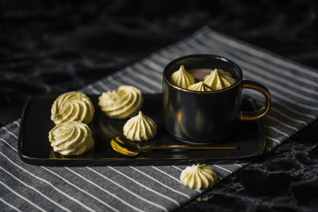 Coffee meringue