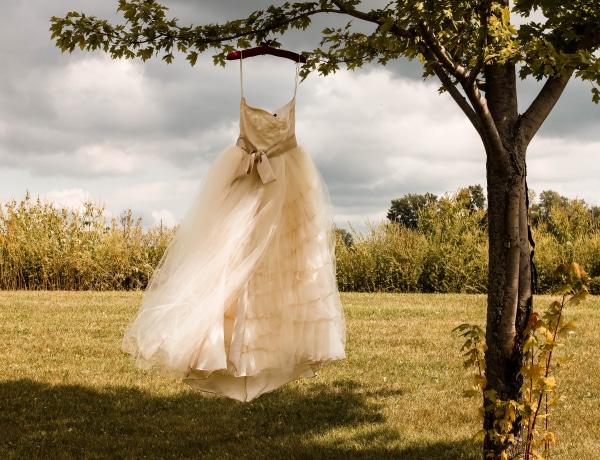5 kérdés, és megmondjuk, milyen menyasszonyi ruha illik hozzád!