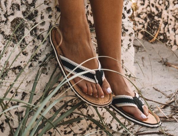 Ez a nem túl szép cipő újra meghódítja a világot – Hordanád?