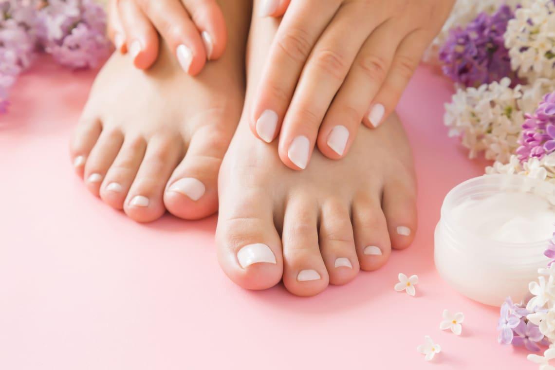 A legújabb pedikűrtrendek nyárra – A lábujjaid is legyenek különlegesek!