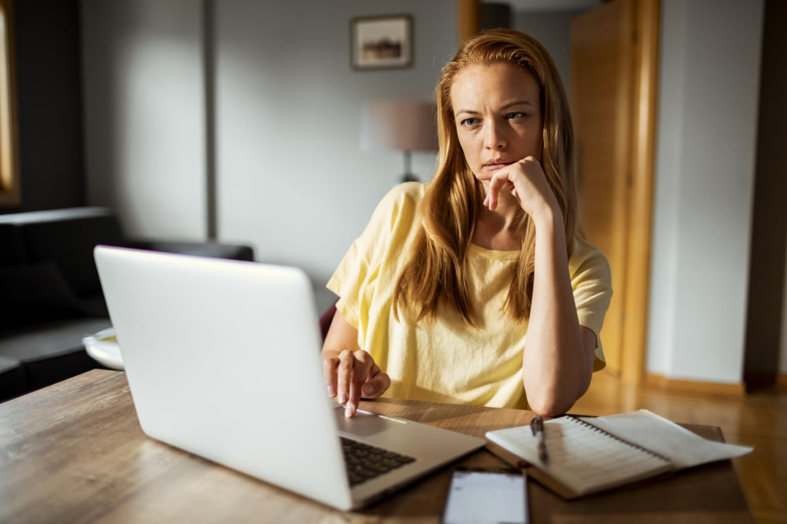 Világjárvány: Túl sokat tudhat rólad a főnököd, mióta otthonról dolgozol