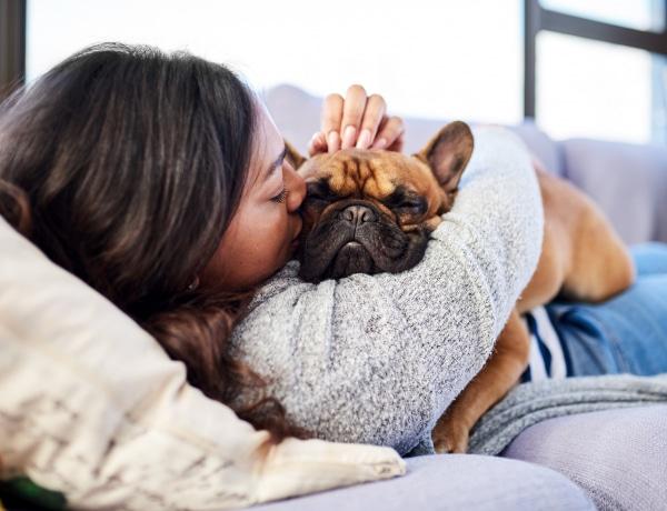 A kutyáknál is egészséges a könnyezés? Tudj meg többet!