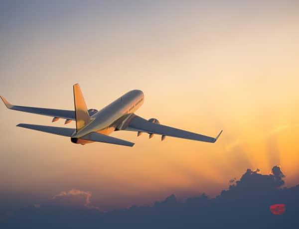 A katapult biztonságos, a villámcsapás veszélyes – 10 óriási tévhit a repülésről