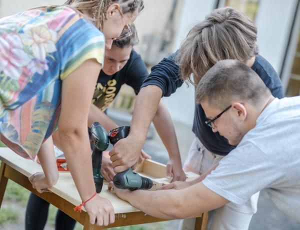 Fiatalok pályázhatnak az ingyenes HELLO PLANET startup designtáborra